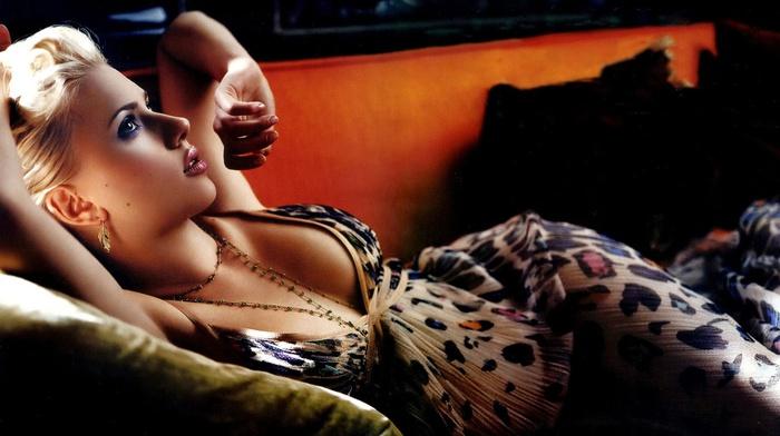 блондинка, девушка, актриса, Скарлетт Йоханссон, расщепление, диван