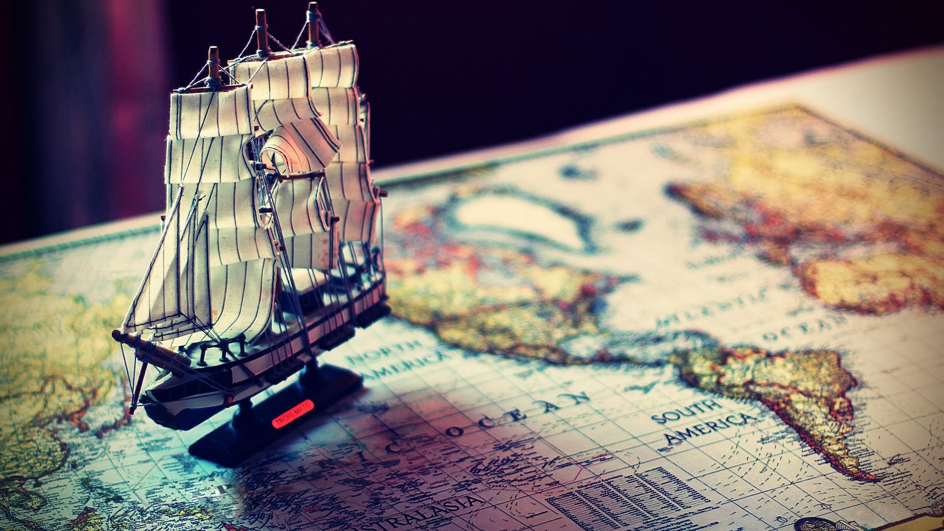 Map sailing ships world map world old map model ship download wallpaper gumiabroncs Image collections