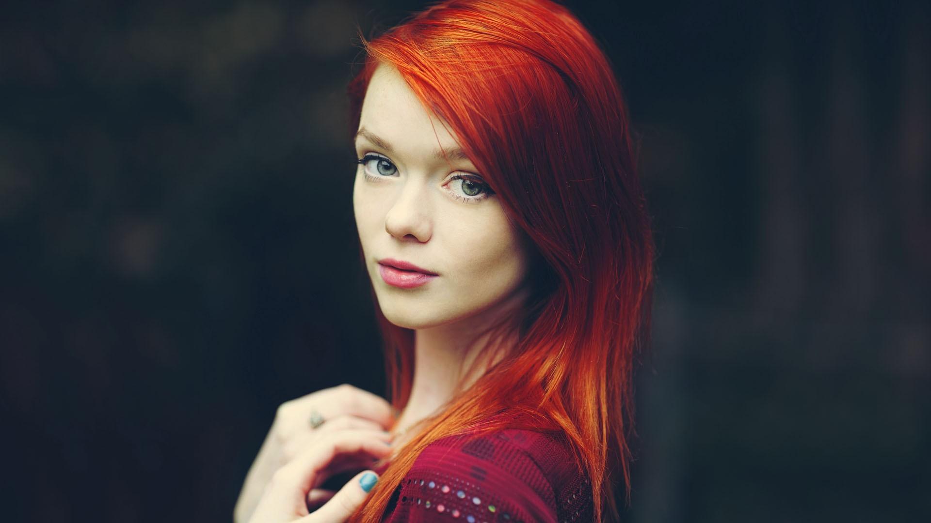 Рыжие девушки фото с зелеными глазами красивые фото