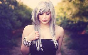 white hair, Julia Coldfront