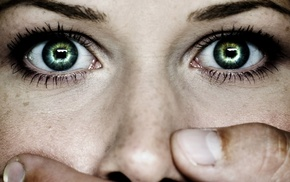 Susan Coffey, green eyes